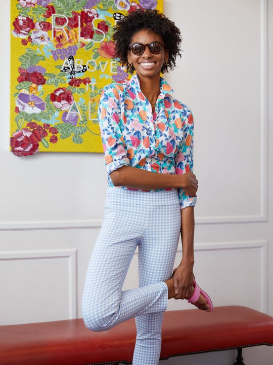 Model wearing J.McLaughlin Masie Pants in Gingham  in chambray/white made with Amelia cloth fabric.