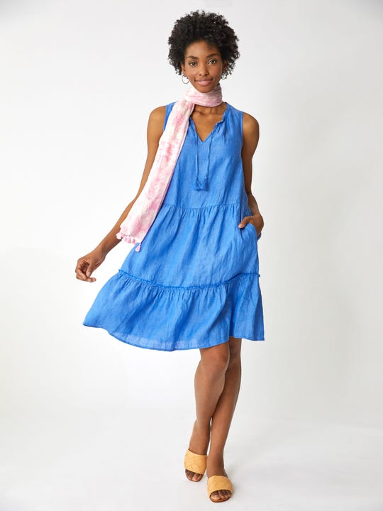 Model wearing J.McLaughlin Christa Linen Dress in french blue