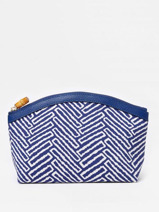 Medium Cosmetic Bag in Bargello