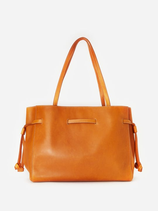 J.Mclaughlin Reed Scarf in Dahna Leather Handbag in natural made in leather.