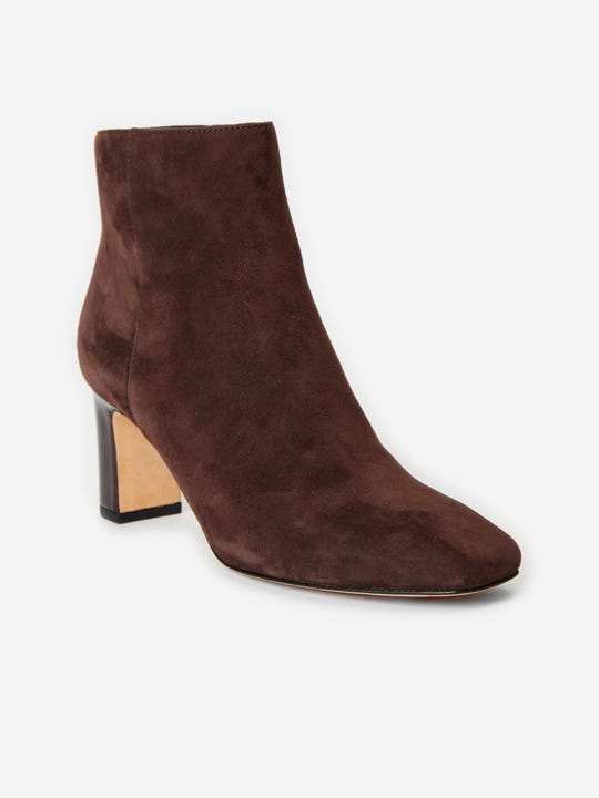 J.Mclaughlin Gloria Suede boots in dark chocolate made with suede and leather fabric.