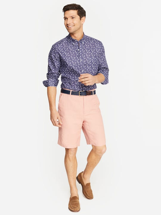 Model wearing J.McLaughlin Oliver Shorts in pink in linen/cotton